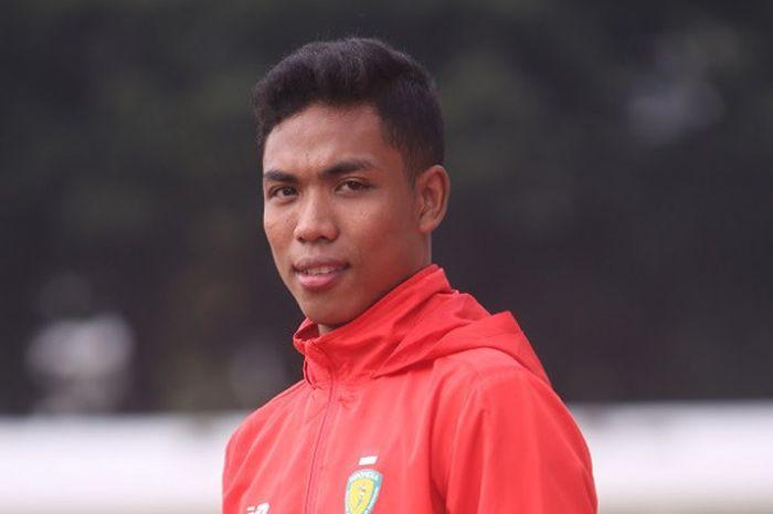 Atlet atletik putra nasional Indonesia, Lalu Muhammad Zohri, berpose di Stadion Madya, Senayan, Jakarta.