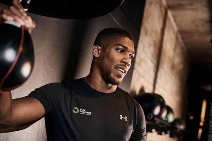 Anthony Joshua saat berlatih di Gym.
