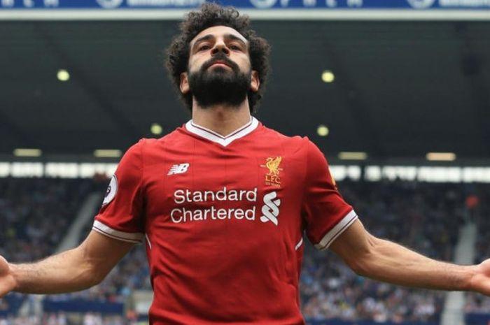 Penyerang sayap Liverpool, Mohamed Salah, merayakan golnya ke gawang West Bromwich Albion dalam partai Liga Inggris di Stadion The Hawthorns, West Bromwich pada 21 April 2018.