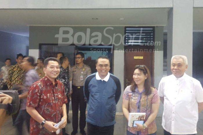 Ketua Chief de Mission Asain Games 2018, Komjen Pol. Syafruddin sedang berkunjung ke pelatnas PBSI, Rabu, (17/01/2018) di Cipayung, Jakarta Timur.