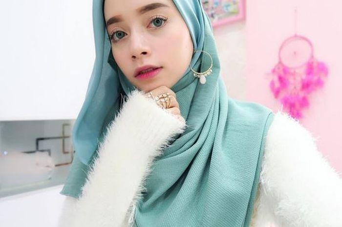 10 Instagram Hijabers Fashionable Yang Seru Buat Di Follow