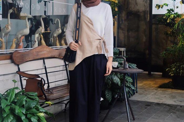 7 Inspirasi Fashion Simple Memakai Wrap Blouse Ala Selebgram Hijab