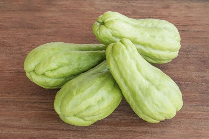 DIY Chayote Squash Masker that Makes a Moist and Glowing Face