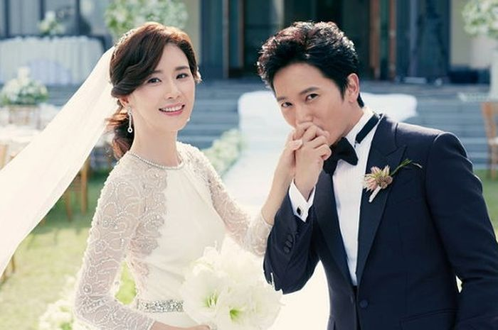 10 Pasangan Seleb Korea yang Pernah Main Drama Bareng