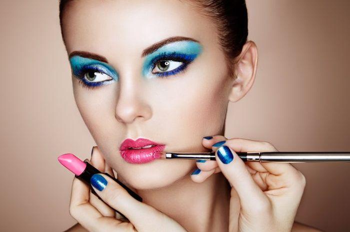 Hasil gambar untuk make up tebal