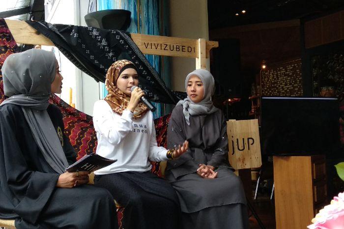 Desainer Vivi Zubedi, satu-satunya desainer Indonesia yang melenggangkan karyanya di New York Fashion Week