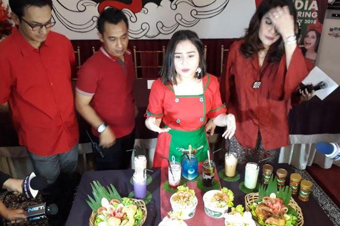 Prilly Latuconsina ditemui Grid.ID di restoran Nona Judes Petamburan, Jakarta Pusat. Kamis (15/2/2018)