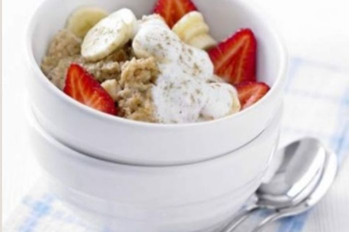 Cinnamon Porridge With Banana and Berries   bbc good food