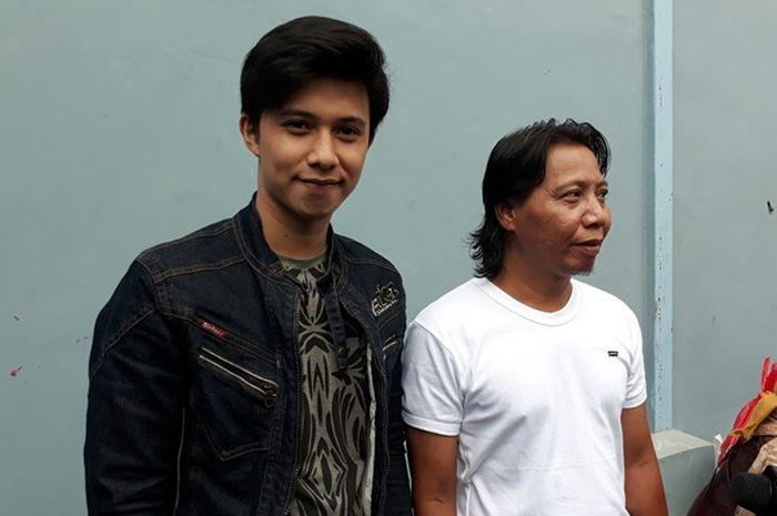 Mastur dan putranya, Ahmad Syaiful saat ditemui Grid.ID di kawasan Tendean, Jakarta Selatan, Selasa (20/3/2018).