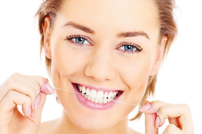 Perawatan Rumahan Agar Gigi Kembali Putih Alami Tanpa Rasa Sakit