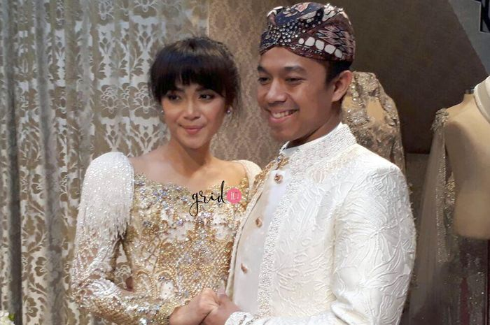 video fitting baju pernikahan sheza idris dan surya ibrahim