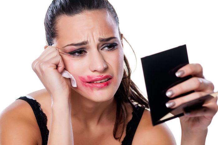 Mencegah makeup luntur dan memudar