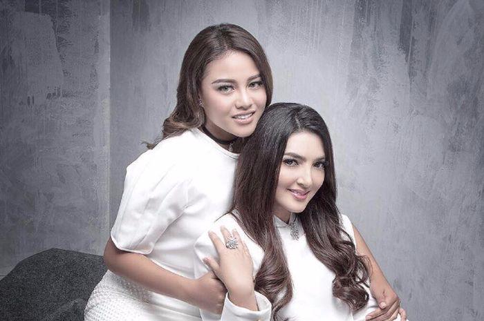Begini nih penampilan kembar Ashanty dan Aurel Hermansyah 2b4d27cb76