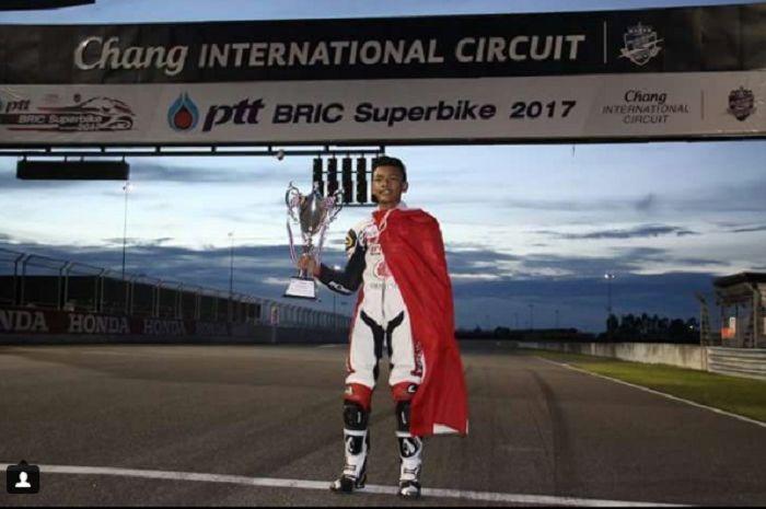 Mohammad Adenanta Putra menang dibalap pertama Thailand Talent Cup2017