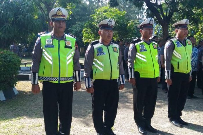 Empat polisi Solo yang cegat rombongan presiden Jokowi demi ambulans