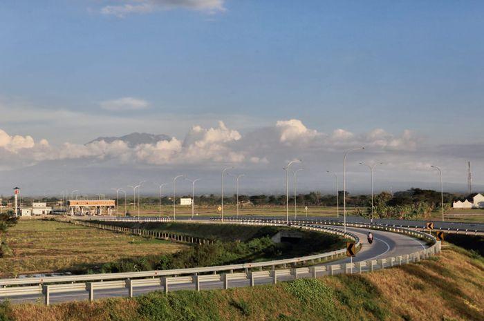Ilustrasi Jalan Tol. Dalam foto adalah Jalan Tol Solo-Ngawi