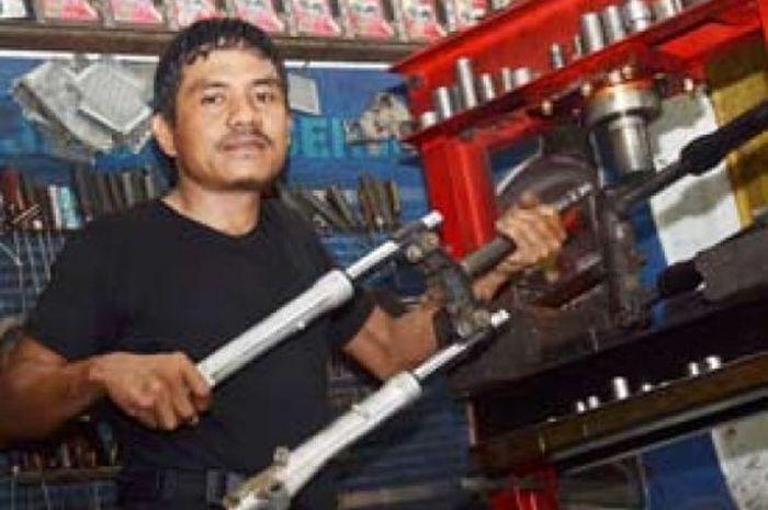 Bungsu Motor, Spesialis Press Segitiga Sokbraker Depan