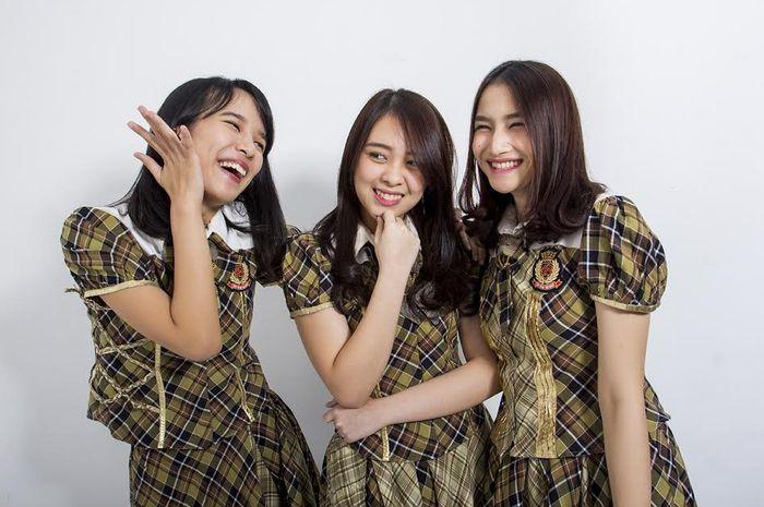 Beby, Anin, dan Frieska dari JKT48 Team KIII