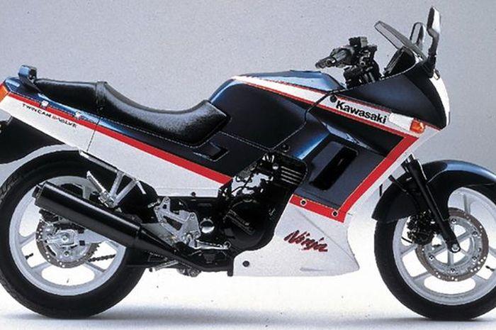 Ini Dia Perjalanan Kawasaki Ninja 250 Dari Masa Ke Masa Mana