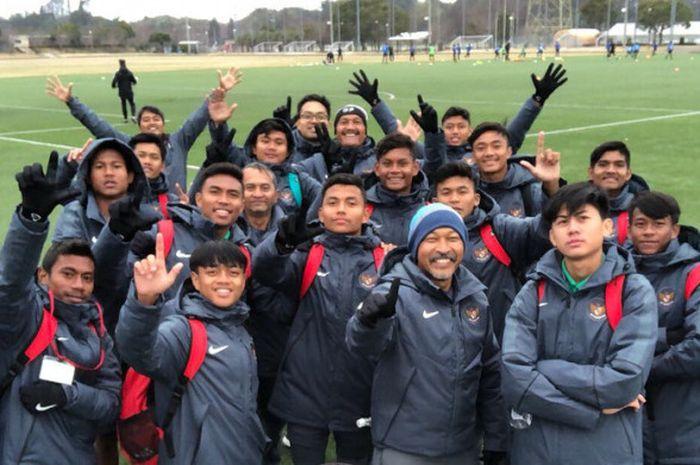 Skuad timnas u-16 yang juara di Jepang.