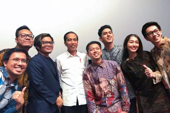5 Pujian Dari Jokowi Setelah Nonton Film Yowis Ben Semua Halaman Hai