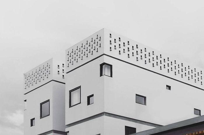 Arjuna Hotel Batu karya Yuli Kalson Sagala