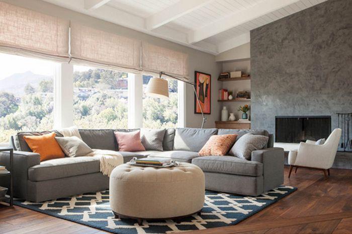 Tidak ingin terlihat monoton di ruang keluarga? Cek 10 ide keramik dan karpet bermotif berikut ini!