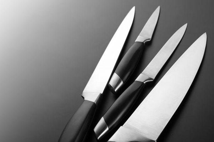 4 Cara mudah membersihkan pisau dapur