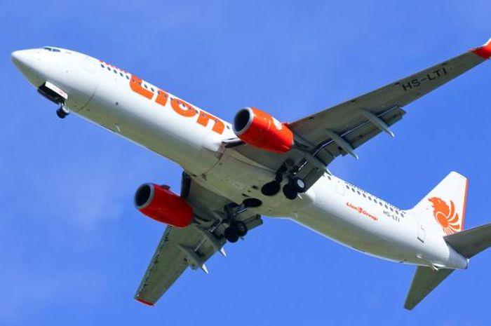Staf Lion Air di Kargo Bandara Kualanamu Tertangkap Kamera Mencuri Bawaan Penumpang