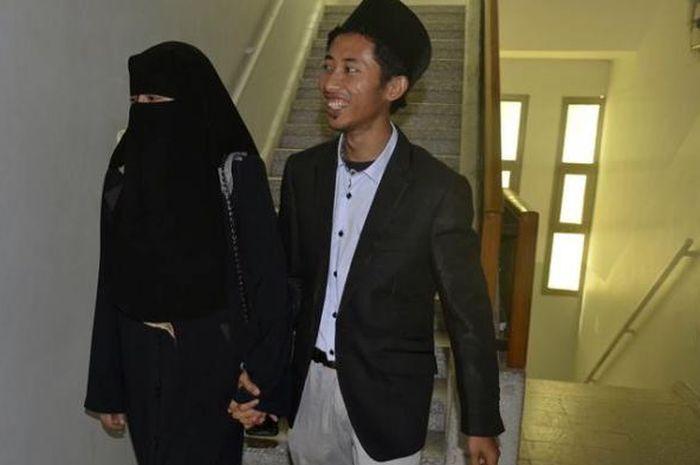 Tepat 17 Agustus, Relawan Mer-C Muhammad Husein Menikahi Gadis Gaza