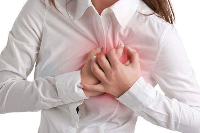 Meningkatnya risiko jantung pada wanita selama menopause.