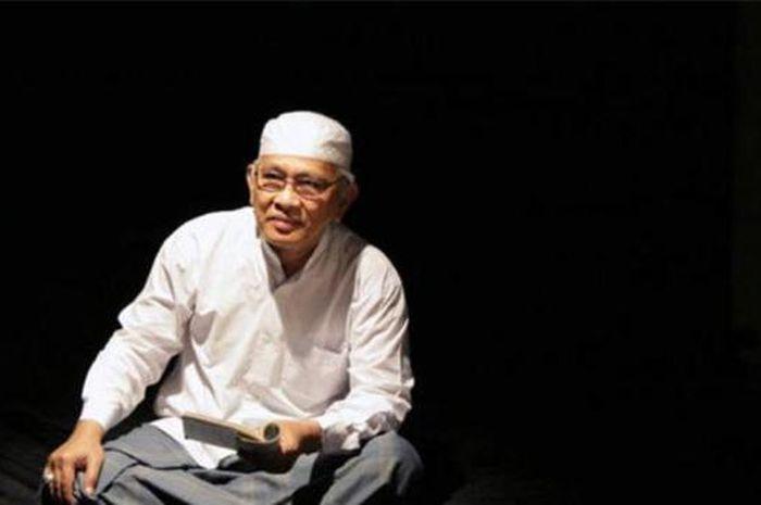 KH Ahmad Mustafa Bisri (ST)