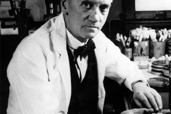 Alexander Fleming penemu penisilin.