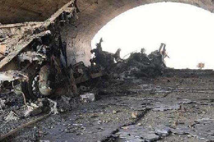 Jet tempur Suriah hancur akibat gempuran rudal Tomahawk.