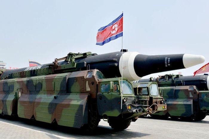 Rudal jarak jauh KN-08 milik Korea Utara