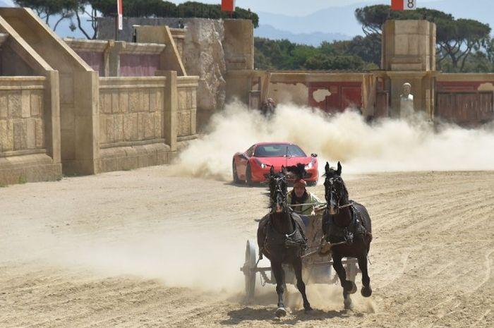 Ferrari vs Kereta Kuda