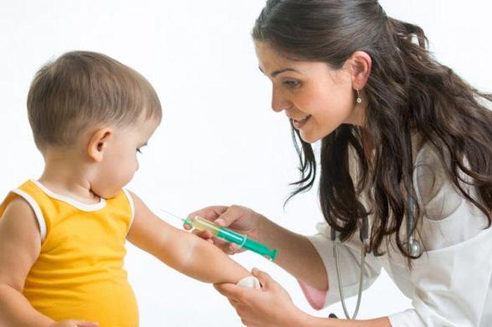 Jangan Sampai Kasus Vaksin Palsu Bikin Orangtua Abaikan Hak Imunisasi Anak