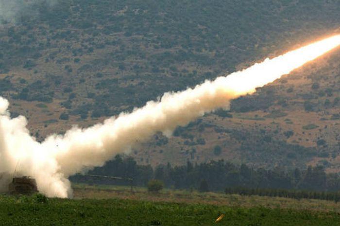 Serangan roket Hizbullah ke Israel
