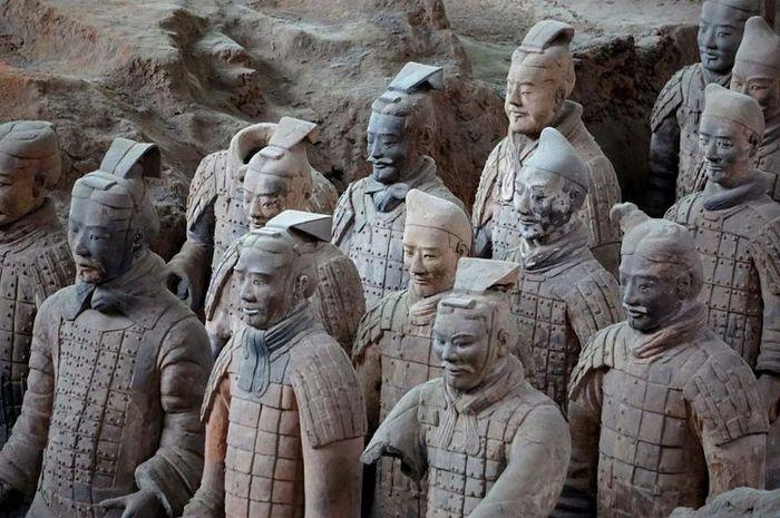 Pasukan terakota di makam Qin Shi Huang