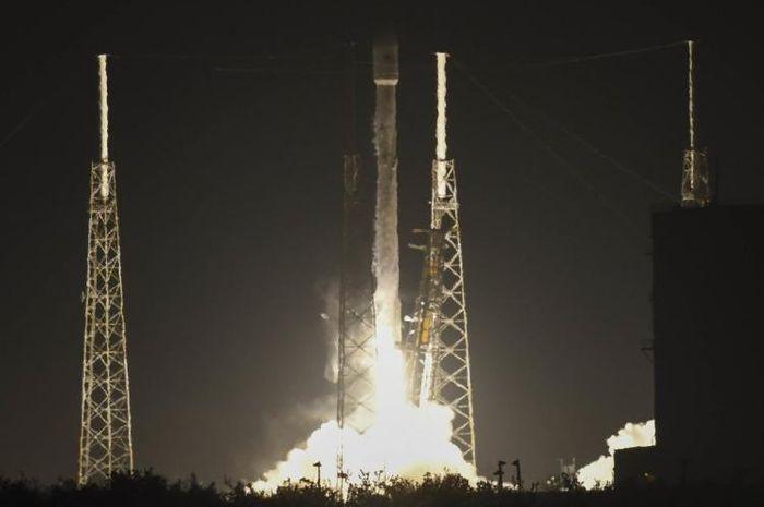 satelit rahasia amerika yang gagal diluncurkan