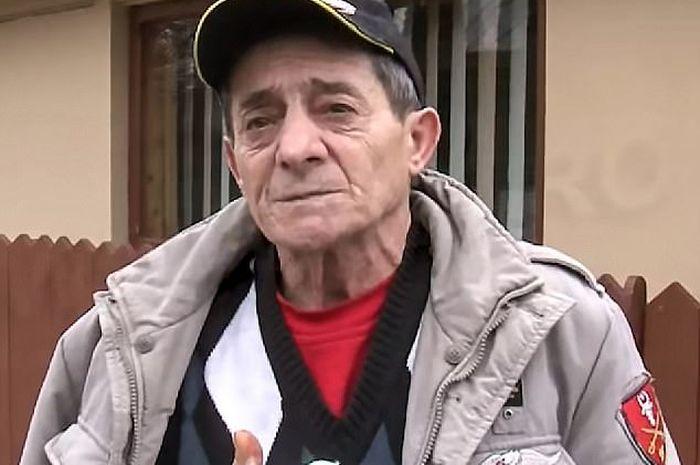 Pria ini digigit anjing pada testis dan tangannya demi menyelamatkan seorang wanita
