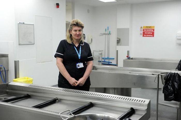 pengakuan perawat yang bekerja di ruang mayat
