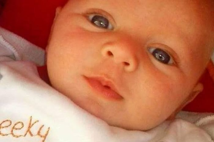 Alex yang berusia empat bulan meninggal setelah tersedak susu di botolnya.
