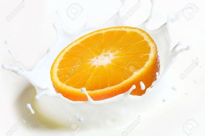 Benarkah Tidak Boleh Makan Jeruk Setelah Minum Susu?