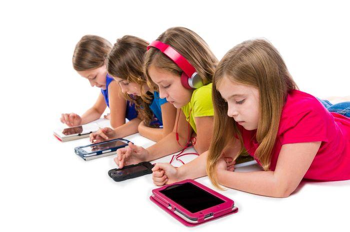 menjaga agar ponsel anak bebas dari konten kekerasan dan pornografi