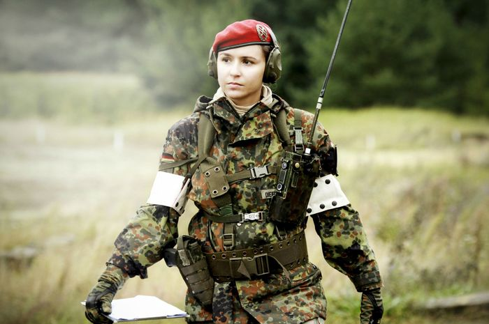 Profil tentara wanita Rusia anggota Spetsnaz