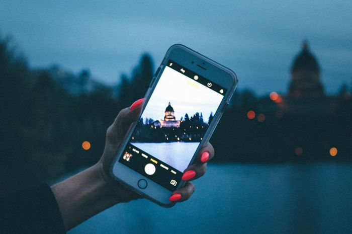 5 Aplikasi Jepret Foto RAW di iPhone