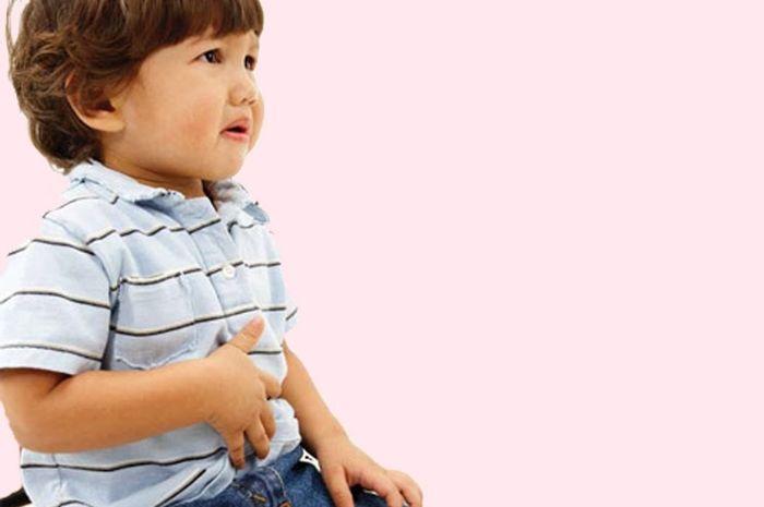 Jangan biarkan anak berangkat sekolah bila ia diare atau muntah.
