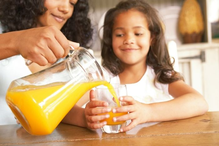 5 Alasan Anak Tidak Boleh Banyak Minum Jus Buah - Nakita