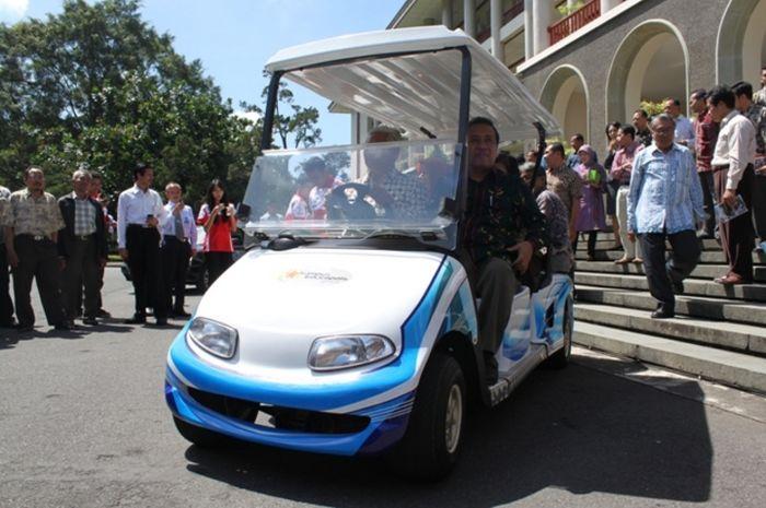 Ugm Siap Produksi Mobil Listrik Nasional Pada 2015 National Geographic